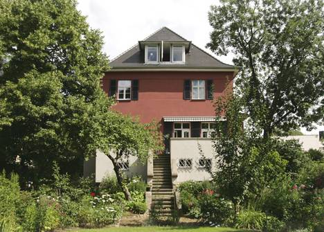 """Rotes Haus"" | Zweifamilienhaus - Sanierung + Umbau"