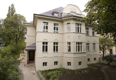 Rathenauplatz 12 | Wohn- und Ärtztehaus - Innenraumplanung (Bild 1/8)